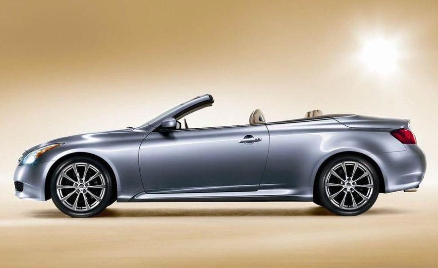 2009 Infiniti G37 convertible and coupe - Slide 13