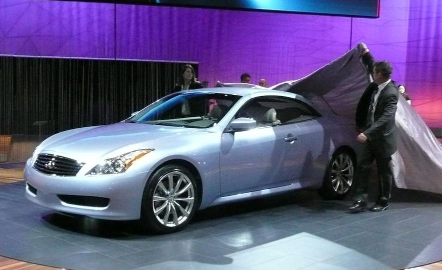 2009 Infiniti G37 convertible and coupe - Slide 7