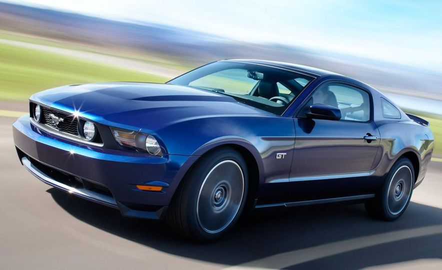 2010 Ford Mustang GT convertible - Slide 22