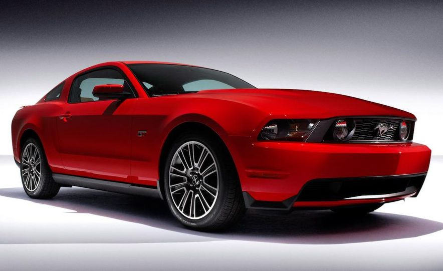 2010 Ford Mustang GT convertible - Slide 34