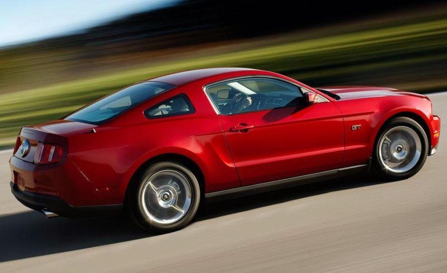 2010 Ford Mustang GT convertible - Slide 31