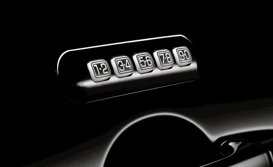 2010 Lincoln MKZ - Slide 31