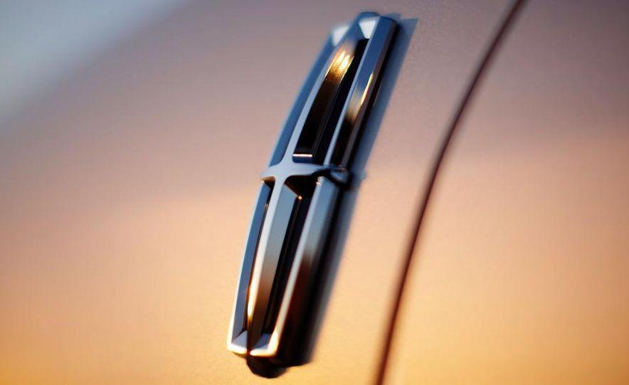 2010 Lincoln MKZ - Slide 22
