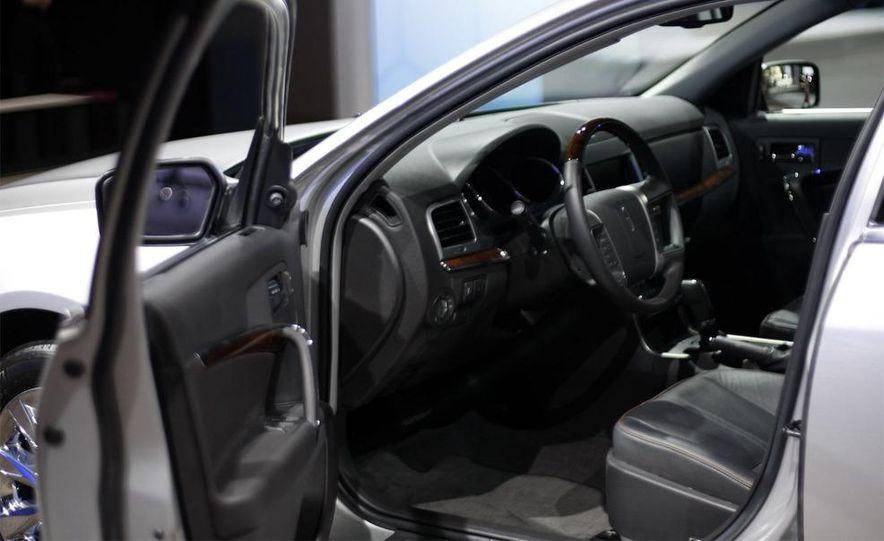 2010 Lincoln MKZ - Slide 7