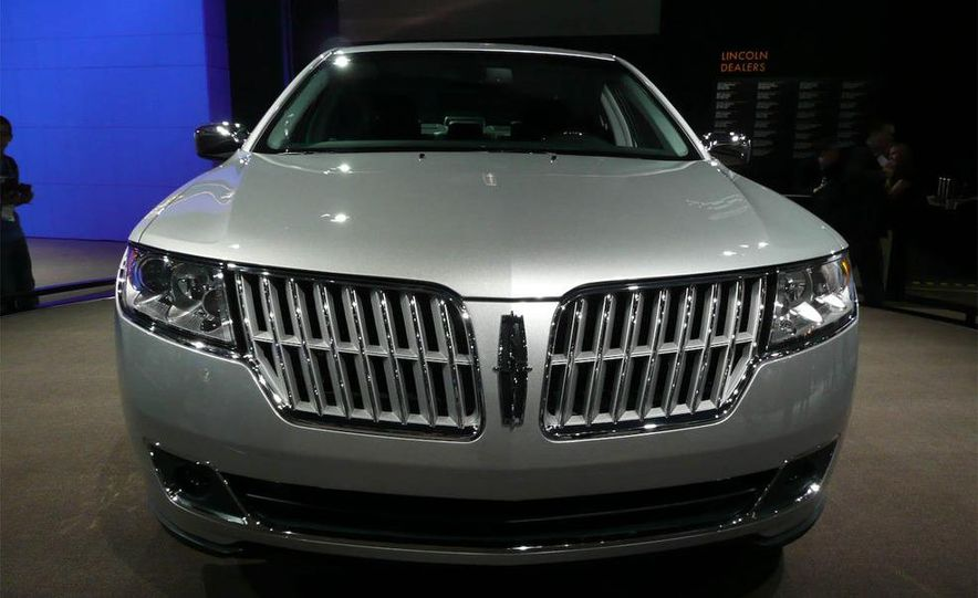 2010 Lincoln MKZ - Slide 13