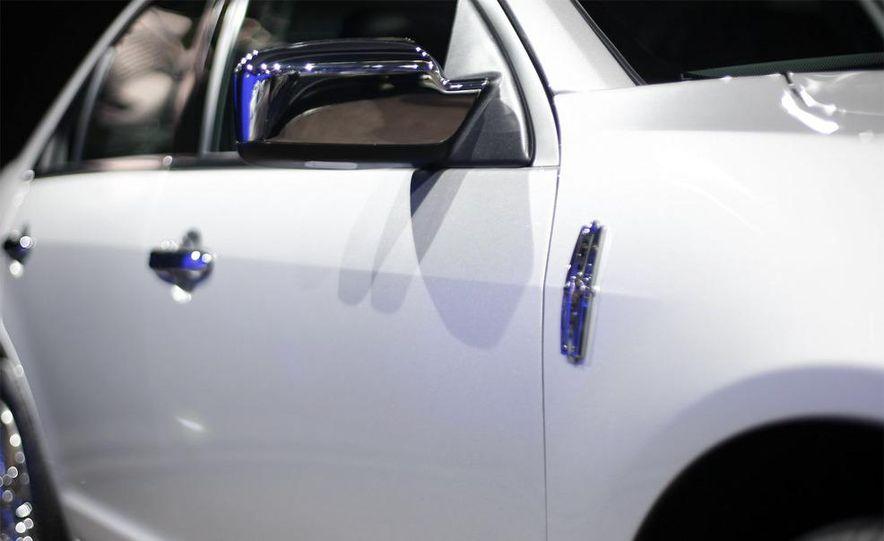2010 Lincoln MKZ - Slide 9