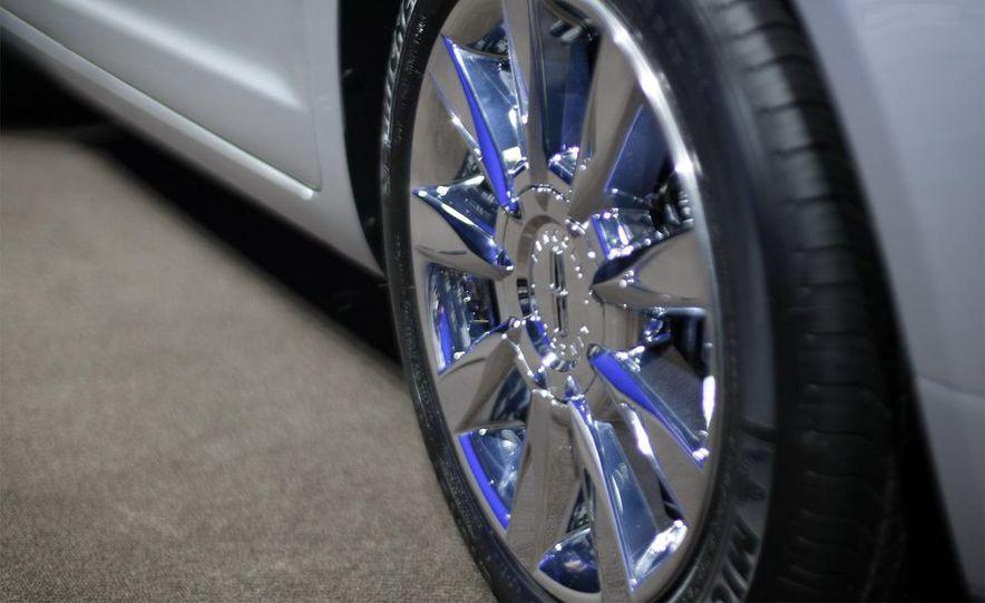 2010 Lincoln MKZ - Slide 10