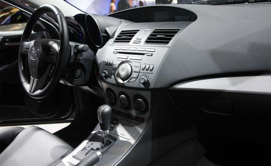 2010 Mazda 3 Grand Touring - Slide 29