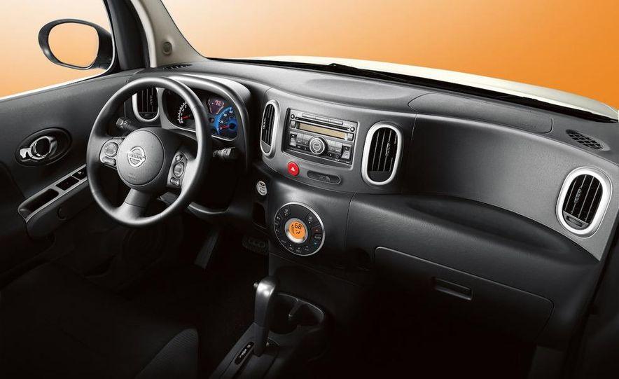 2010 Nissan Cube - Slide 10