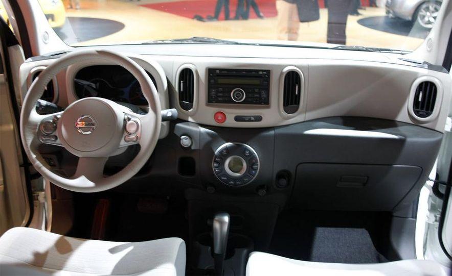 2010 Nissan Cube - Slide 28