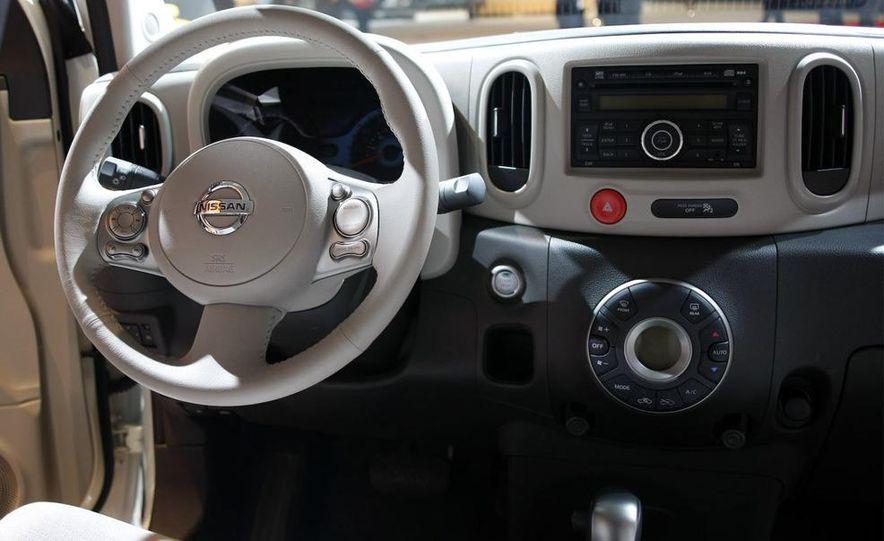 2010 Nissan Cube - Slide 29