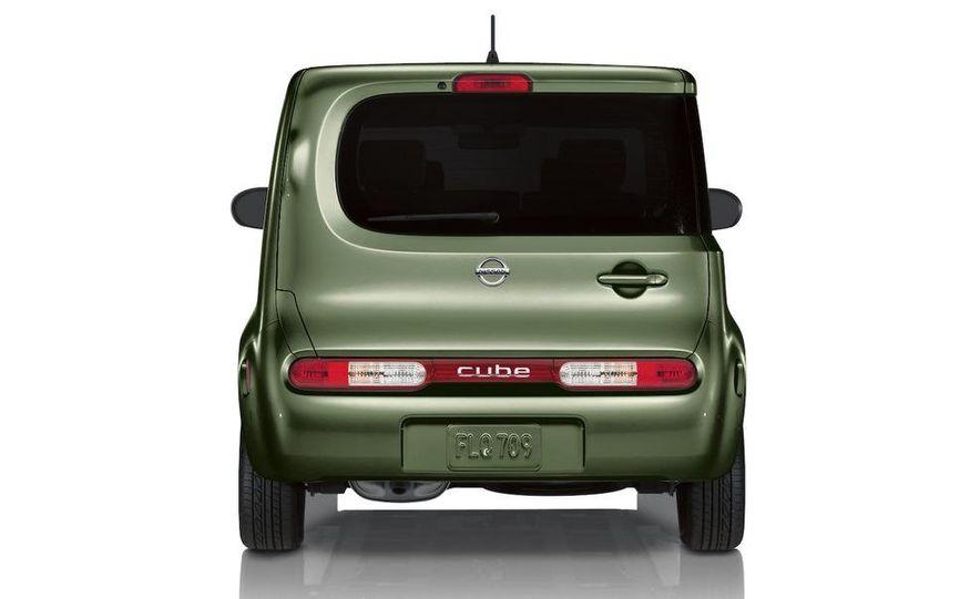 2010 Nissan Cube - Slide 1