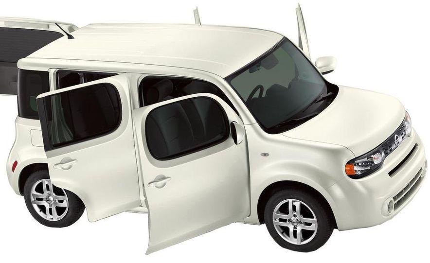 2010 Nissan Cube - Slide 4