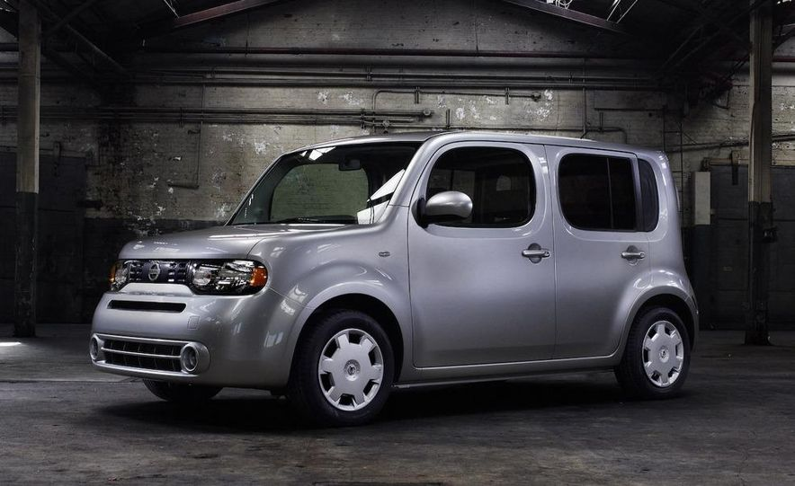 2010 Nissan Cube - Slide 5