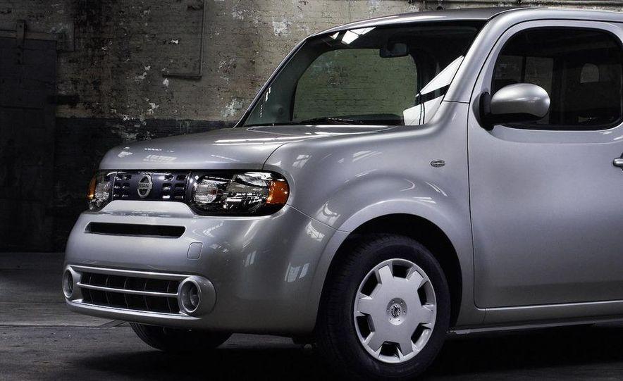 2010 Nissan Cube - Slide 6