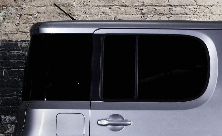 2010 Nissan Cube - Slide 13