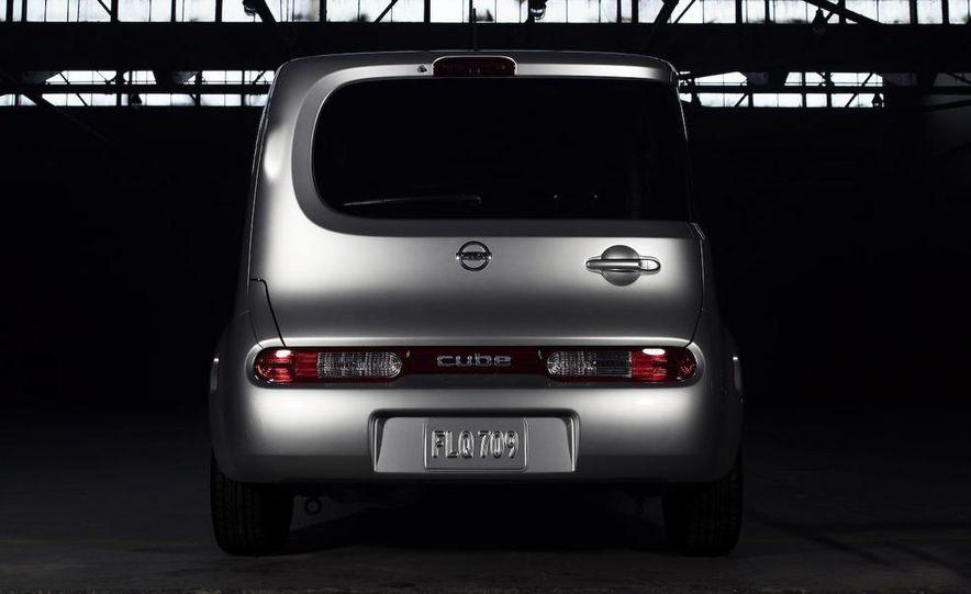 2010 Nissan Cube - Slide 19