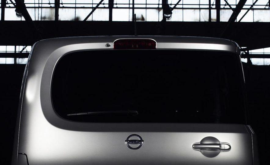 2010 Nissan Cube - Slide 22