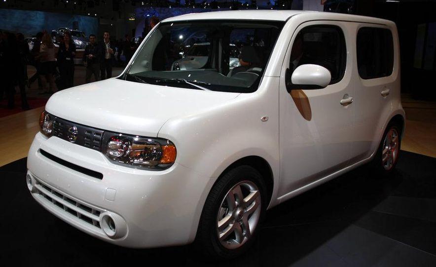 2010 Nissan Cube - Slide 32