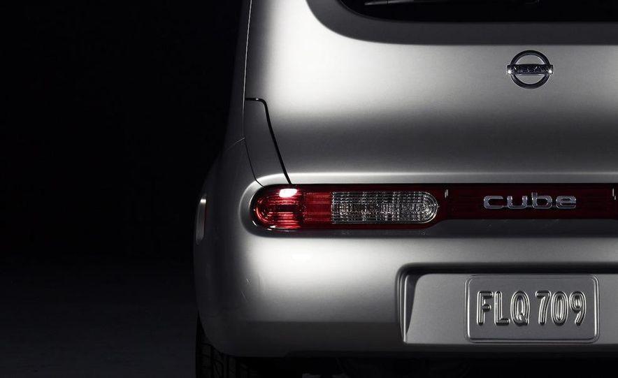 2010 Nissan Cube - Slide 21