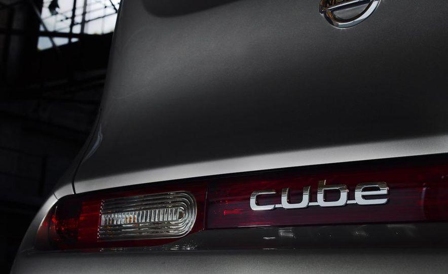 2010 Nissan Cube - Slide 23