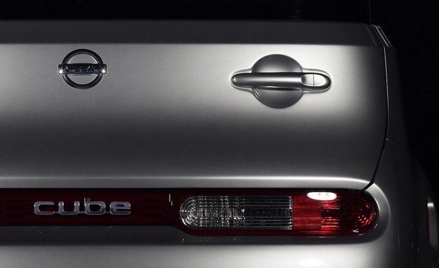 2010 Nissan Cube - Slide 20