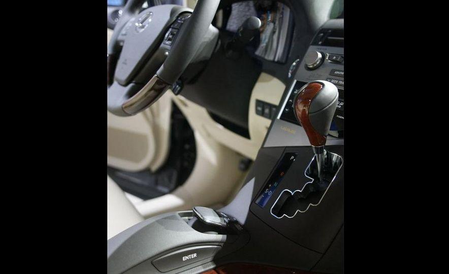 2010 Lexus RX350 - Slide 20