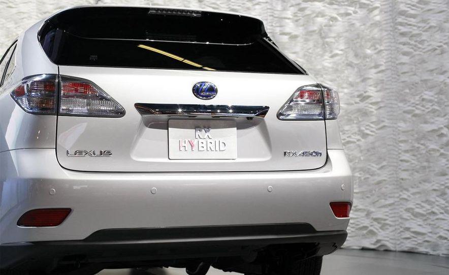 2010 Lexus RX350 - Slide 17