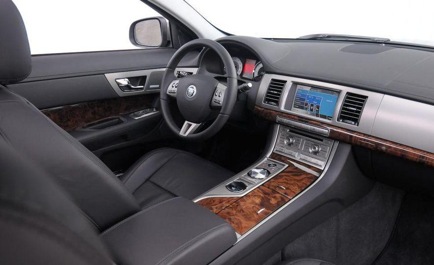 2009 Infiniti G37 sedan - Slide 14