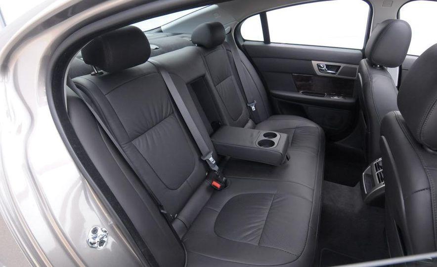 2009 Infiniti G37 sedan - Slide 15