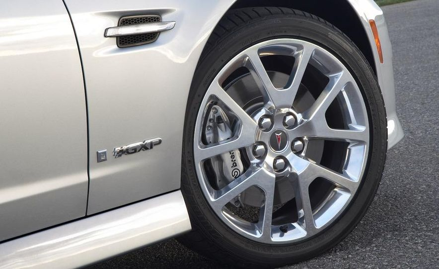 2009 Pontiac G8 GXP - Slide 10