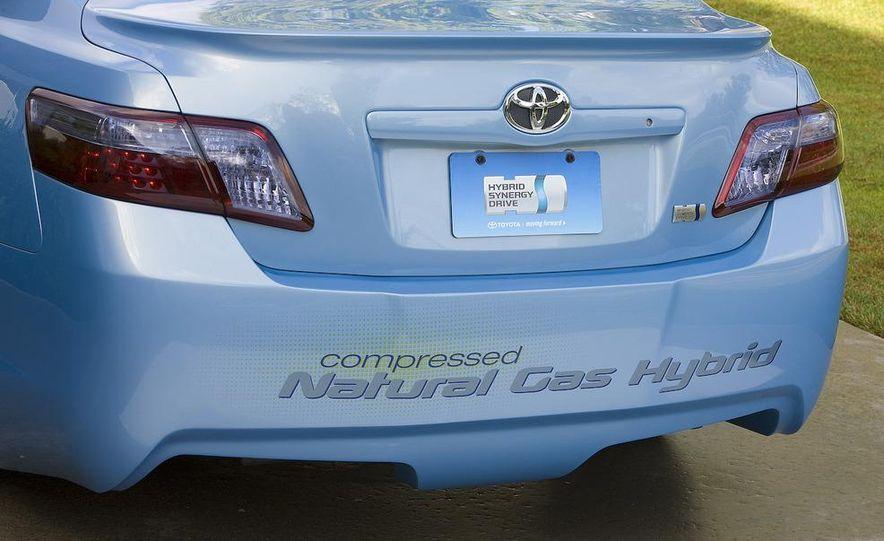 Toyota Camry CNG Hybrid concept - Slide 4