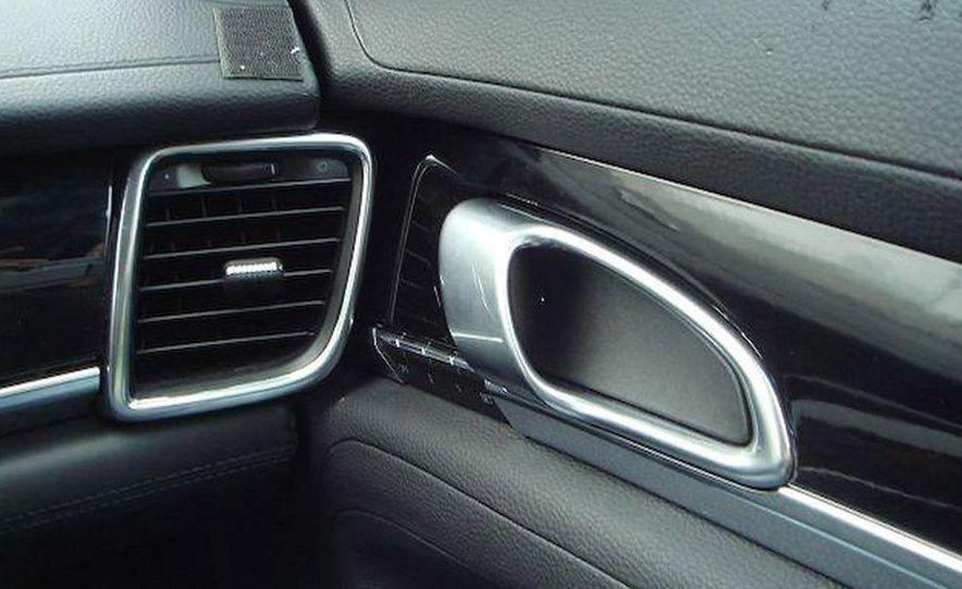 2010 Porsche Panamera Turbo - Slide 28