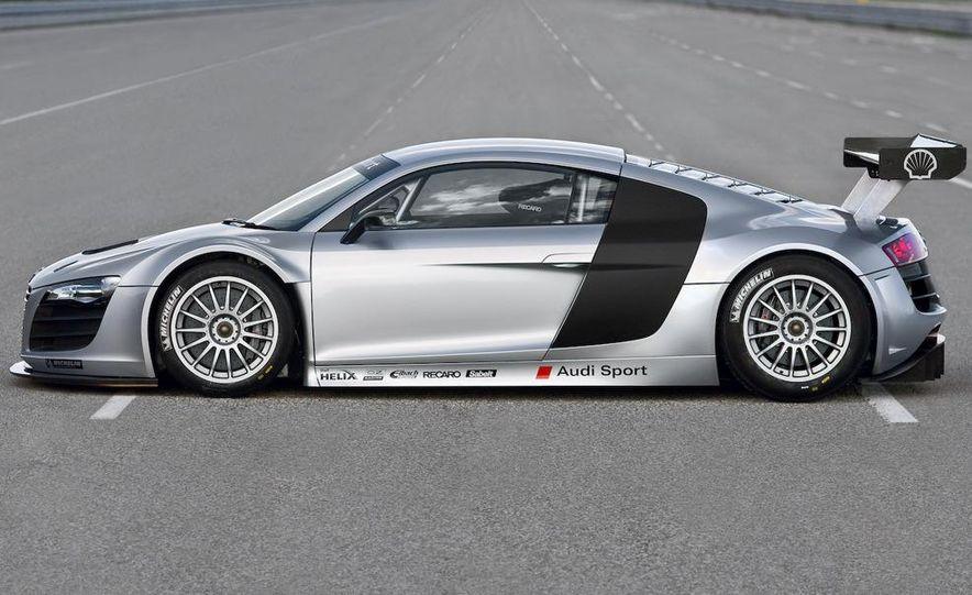 Audi R8 GT3 - Slide 1