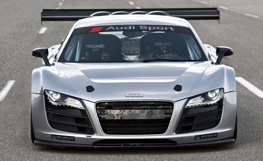 Audi R8 GT3 - Slide 3