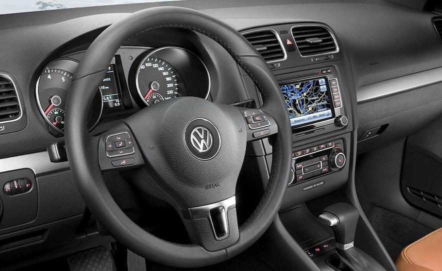 2010 Volkswagen Golf 5-door (European spec) - Slide 11