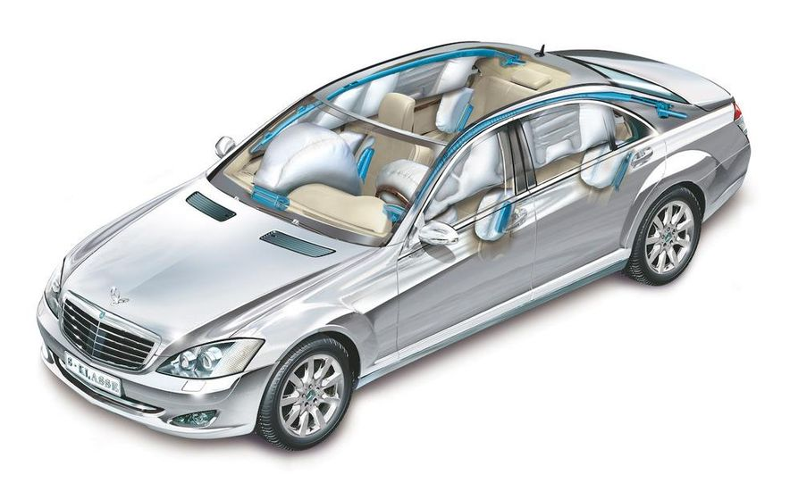 Mercedes-Benz S-class Occupant Protection System cutaway - Slide 1