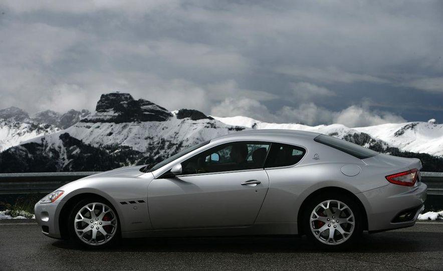 2009 Maserati GranTurismo S 4.7 wheel - Slide 10