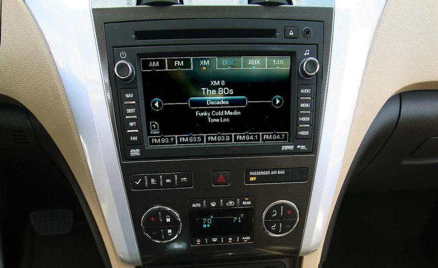 2009 Chevrolet Traverse 3.6-liter direct-injection V-6 engine - Slide 16
