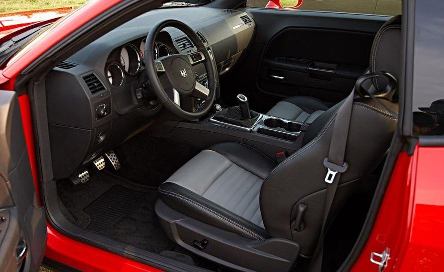 2009 Dodge Challenger SE - Slide 11