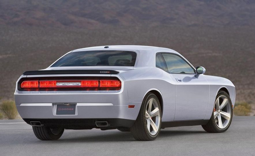 2009 Dodge Challenger SE - Slide 7