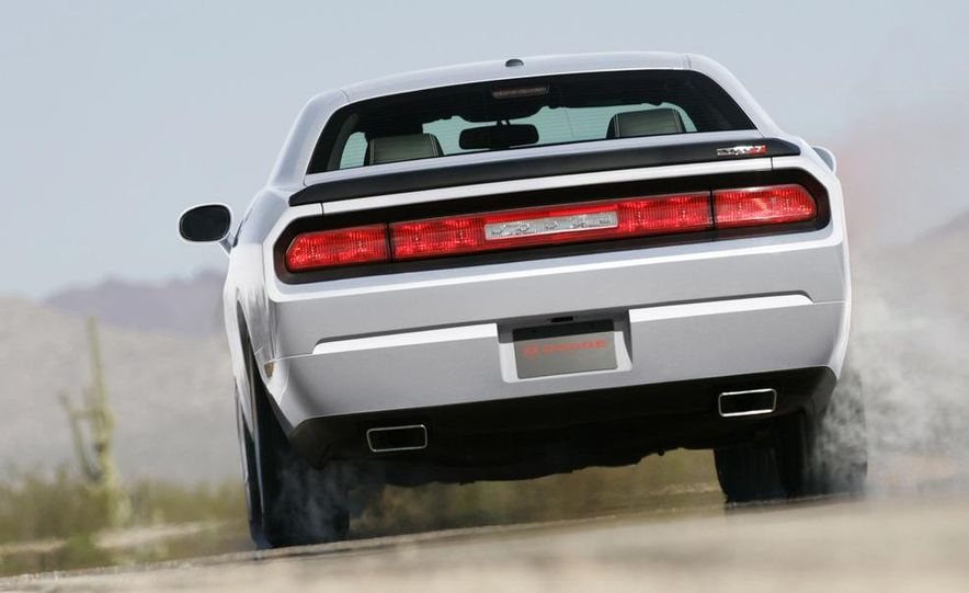 2009 Dodge Challenger SE - Slide 10
