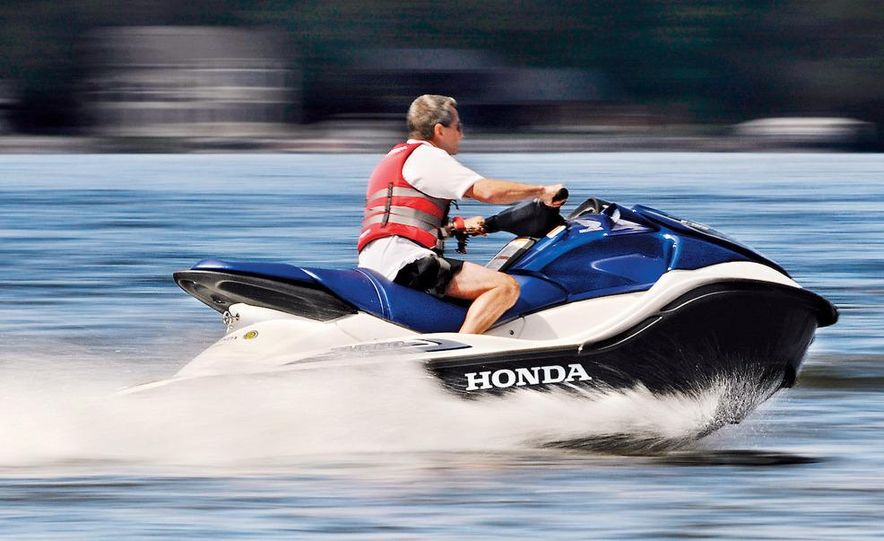 Honda AquaTrax F-15X personal watercraft - Slide 8