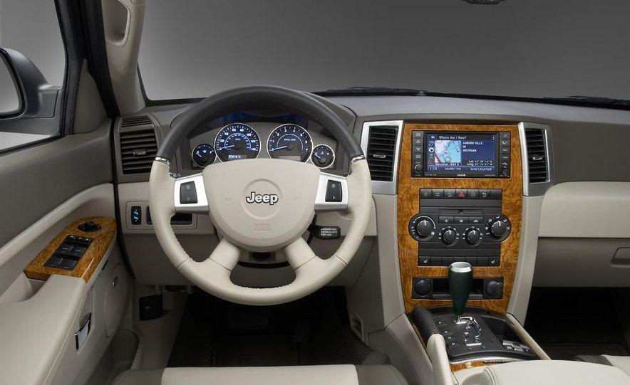 2008 Jeep Wrangler interior - Slide 19