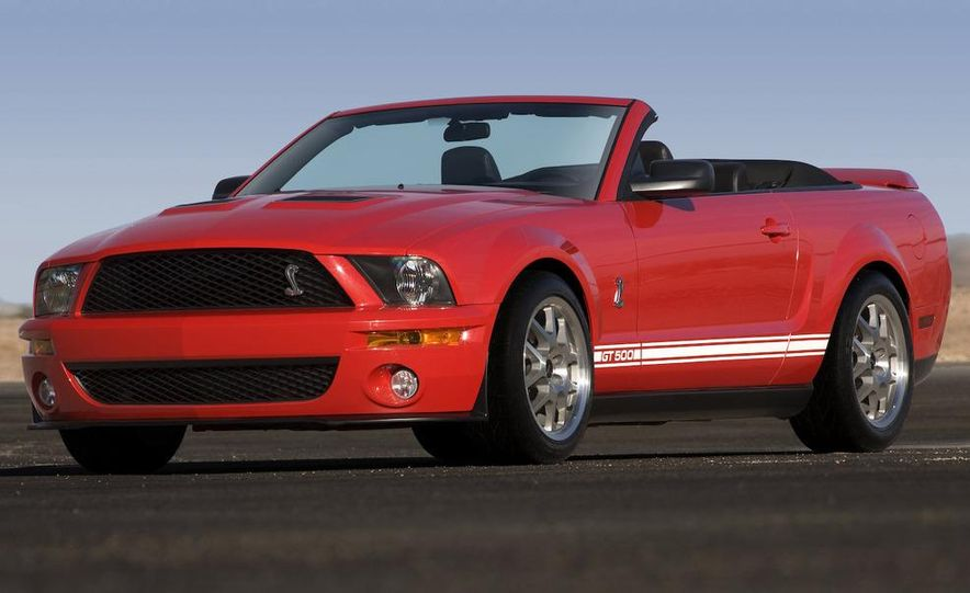 2008 Ford Mustang Shelby GT500 coupe - Slide 11