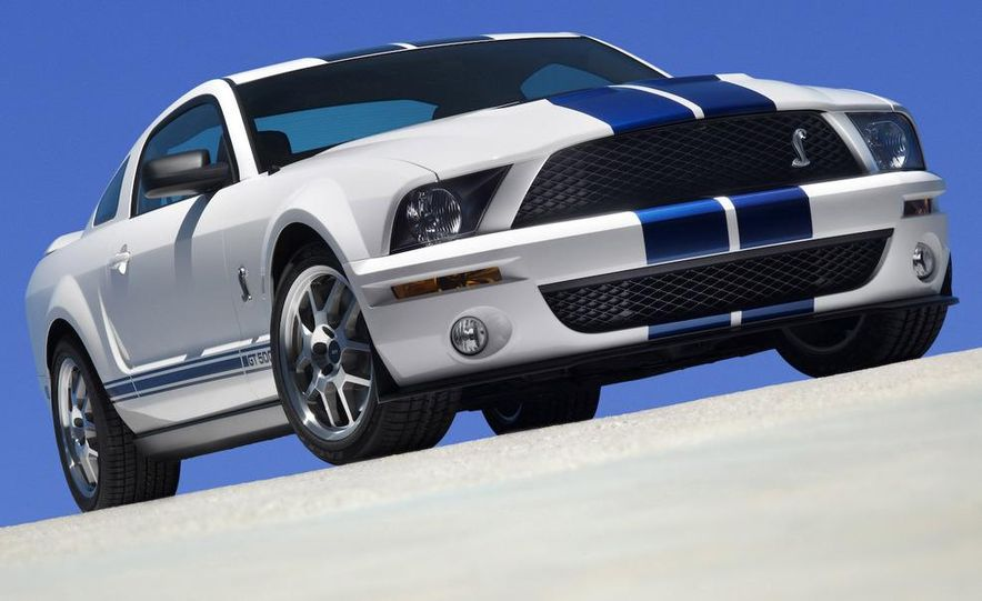 2008 Ford Mustang Shelby GT500 coupe - Slide 1