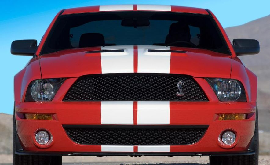 2008 Ford Mustang Shelby GT500 coupe - Slide 3