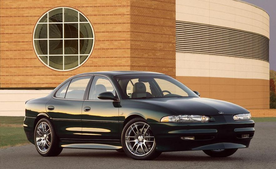 2002 Oldsmobile Intrigue - Slide 1