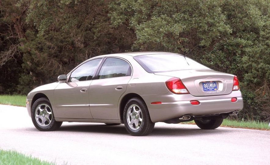 2002 Oldsmobile Intrigue - Slide 22