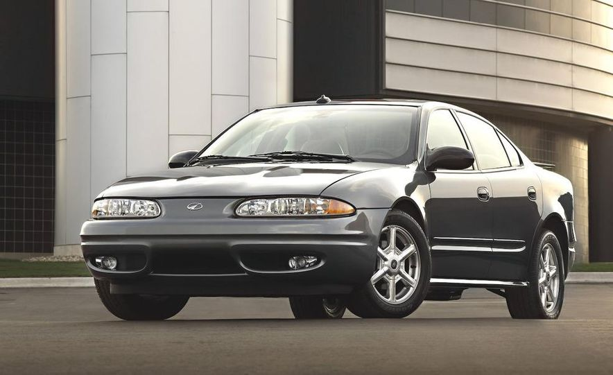 2002 Oldsmobile Intrigue - Slide 4